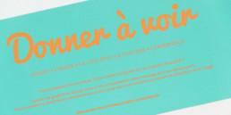 Carte, typographie, pantone orange fluo, détail
