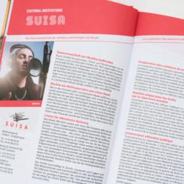Guide domaine musique en Suisse, double page titre, texte et photo