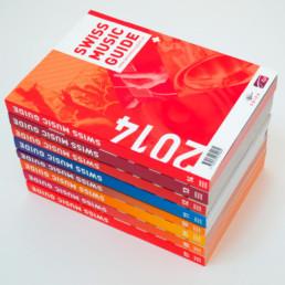 Comiplations des éditions du Swiss music guide, couverture et tranche des livres. Graphisme atelier Zaniah