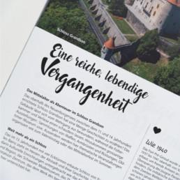 Encart texte, version en allemand, brochure tourisme région nord-vaudois. Graphisme typographie script