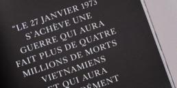 typographie, mise en page exergue sur fond noir